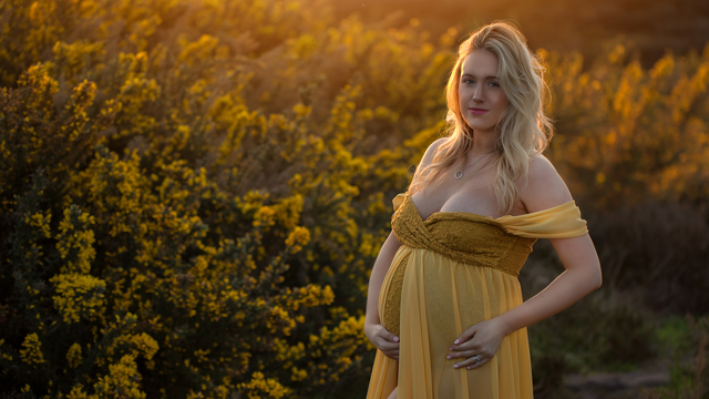 Emma's Outdoor Maternity Session